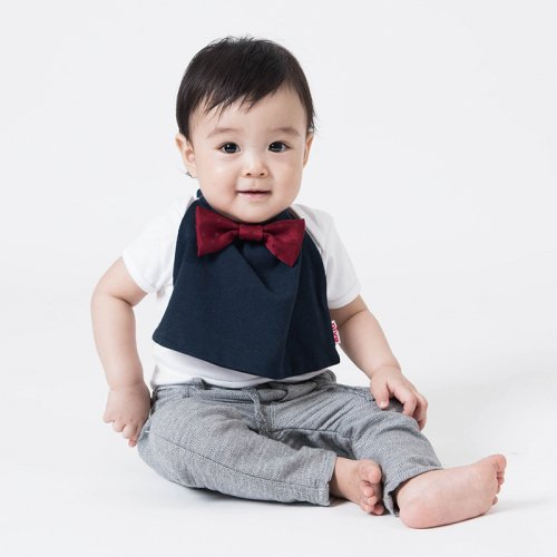 深みレッド水玉サテン蝶ネクタイ付きスタイ(ネイビー)/butterfly tie