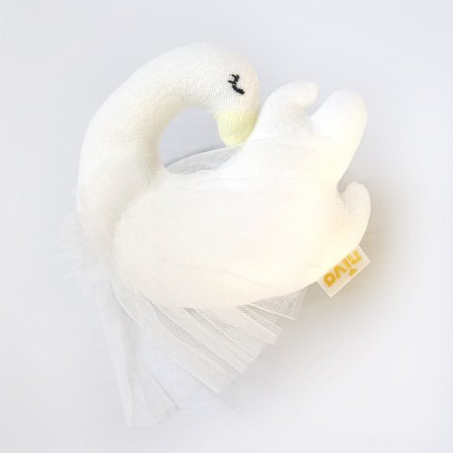 チュール付きスワンのラトル/Swan Rattle
