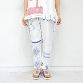 YEAH RIGHT !!  WHITE MESH LINE PANTS(SIZE 1)A