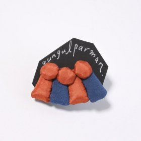 gungulparman  fabric products sound gather 片耳用 single Earring (red & blue)