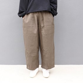 <img class='new_mark_img1' src='https://img.shop-pro.jp/img/new/icons55.gif' style='border:none;display:inline;margin:0px;padding:0px;width:auto;' />bono GUM WIDE TUCK PANTS (KHAKI)