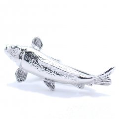 リアルな鯉モチーフ・シルバーのタイピン(ネクタイピン)