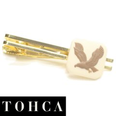 【陶華・TOHCA】ベージュ・鷲イーグルカメオ・ゴールド・スクウェアのタイピン(ネクタイピン)