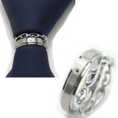 ネクタイリング・艶やかシルバー×ロカイユデザイン2本のタイリング (スカーフリング)