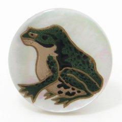 【受注生産品】伊藤若冲の蛙・白蝶貝タイタック(ピンブローチ)