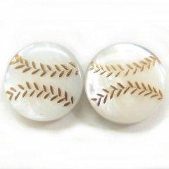 ベースボール・白蝶貝のボタンダウンピアス