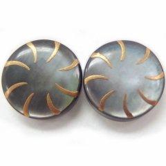 螺旋・黒蝶貝のボタンダウンピアス