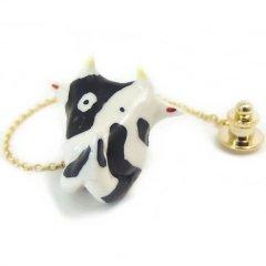 どうしてもお願い牛のタイタック(ピンブローチ)