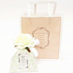 店舗包装・ホワイトローズのギフトボックス