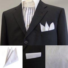高級オーダーシャツ生地ポケットチーフ・ホワイト×ブルードットのポケットスクウェア