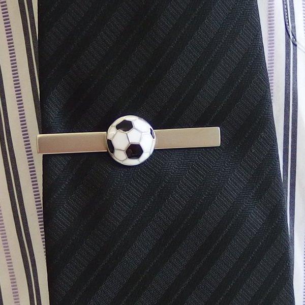 ネクタイピン サッカーボール
