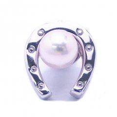 ラペルピン・馬蹄ホースシュー・アコヤ真珠パール7.5mmのブローチ(タイタック)