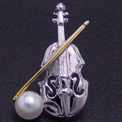 ラペルピン・音楽家さんにバイオリン・アコヤ真珠パール5.5mmブローチ(タイタック)