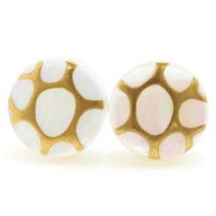 ハチシロ・白蝶貝のボタンダウンピアス