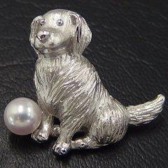 ラペルピン・毛並みの美しいレトリバー犬・アコヤ真珠パール5.5mmブローチ(タイタック)