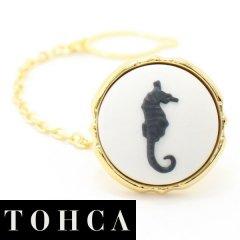 【陶華・TOHCA】ゴールド・ラウンド・タツノオトシゴ・ホワイトのタイタック(ピンブローチ)