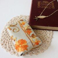 【roughAsia】オリジナル カシミール刺繍柄カードケース -ベージュ