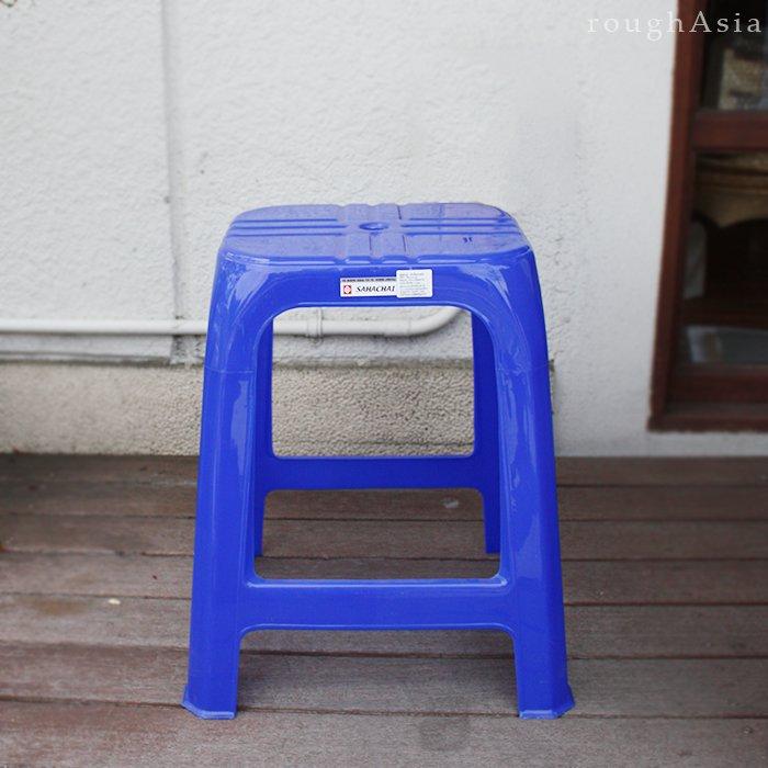 本場タイの屋台 プラスチック製イス 青