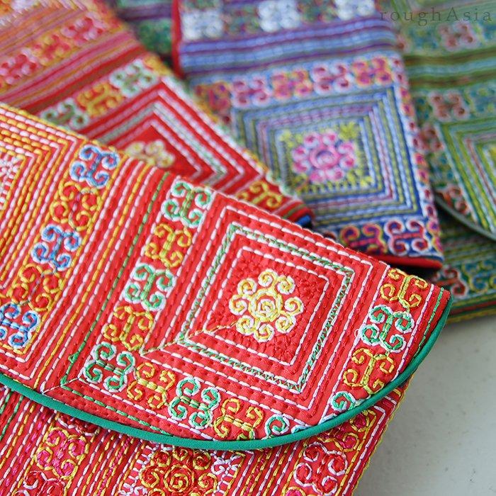 刺繍クラッチポーチ03