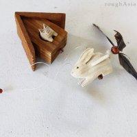 タイ/木製モビール ウサギと家