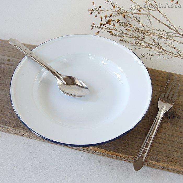 ホーローの白い食器プレートL24�