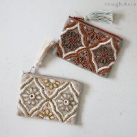 <img class='new_mark_img1' src='https://img.shop-pro.jp/img/new/icons5.gif' style='border:none;display:inline;margin:0px;padding:0px;width:auto;' />インド・ビーズ刺繍 フラットポーチ/2色