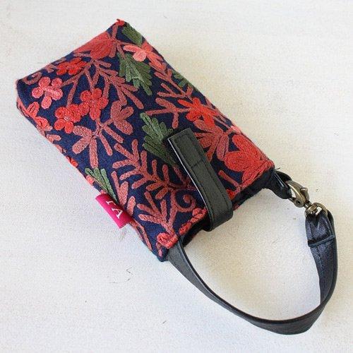 【roughAsia】 オリジナル カシミール刺繍 携帯ポーチ - ネイビー
