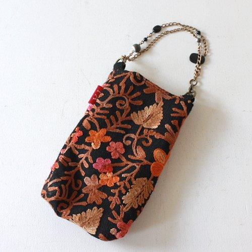 【roughAsia】カシミール刺繍 ビジューチェーンの携帯ポーチ − ピンク(BK-S)