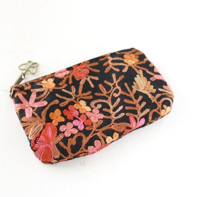 【various shop】カシミール刺繍 チャーム付フラットポーチ − ピンク(BK-S)