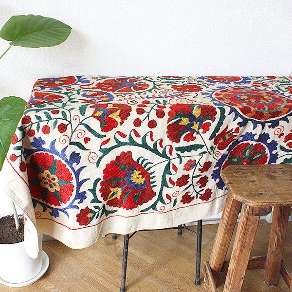 【中央アジアの伝統刺繍布 スザニ(スザンニ)】A