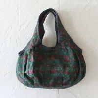 【roughAsia】カンタ刺繍(ラリーキルト) まん丸ショルダーバッグ(シルク) −GR-B01