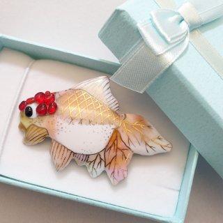 金魚の七宝焼ブローチ 2