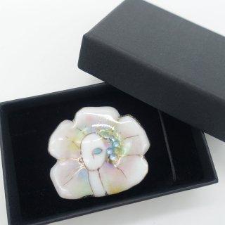 [受注制作]七宝焼ブローチ「花と乙女」typeB-4