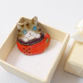 ねこの七宝焼ピンブローチ(ピンバッジ)  ティーカップ猫