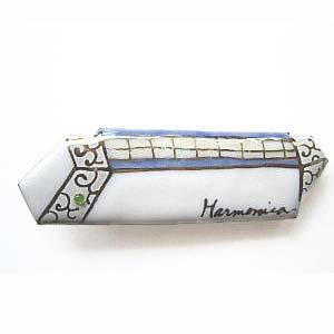 ハーモニカの七宝焼ブローチ
