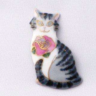 ブローチ サバトラ猫とバラの花