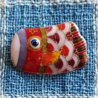 こいのぼり・緋鯉の七宝焼ブローチ