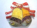 二つのクリスマスベルの七宝焼ピンブローチ(ピンバッジ)