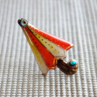 オレンジ色のパラソルの七宝焼ピンブローチ(ピンバッジ)