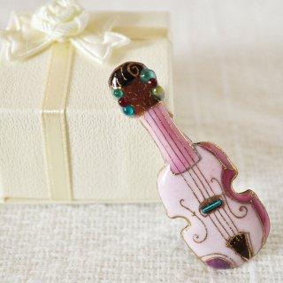 バイオリン[ピンク]の七宝焼ピンブローチ(ピンバッジ)