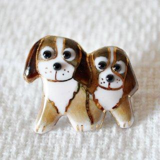 2匹の犬の七宝焼ピンブローチ(ピンバッジ)  PD-4