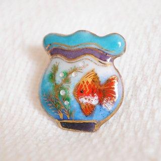 金魚鉢(淡い色)の七宝焼ピンブローチ(ピンバッジ)