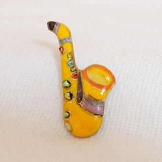 サクソフォン[黄]の七宝焼ピンブローチ(ピンバッジ)