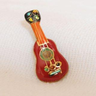 ギタ[赤]ーの七宝焼ピンブローチ(ピンバッジ)