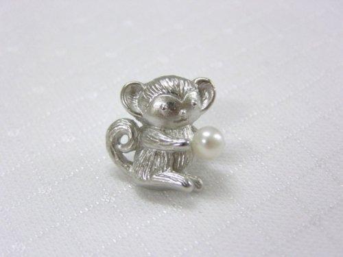 お猿さんブローチ(B)淡水パール