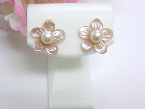 K18淡水真珠5.5mmお花ピンクシェルピアス