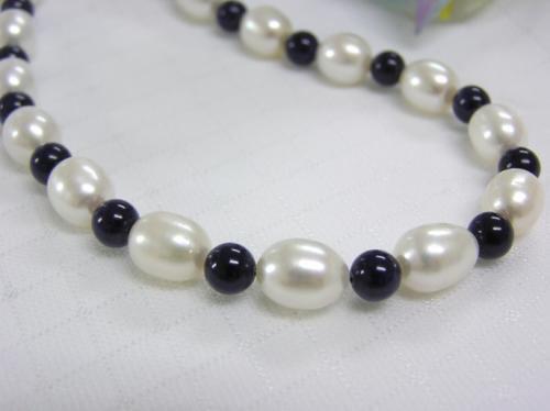 淡水真珠とラピスのネックレス(ゆったり51cm)