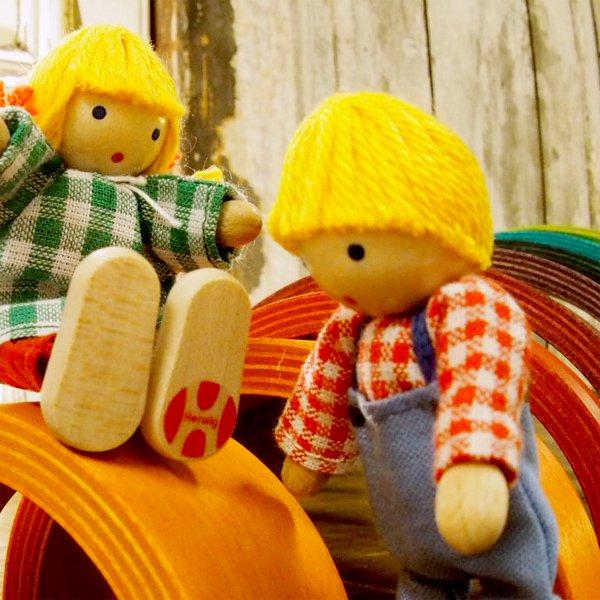 [Herwig ヘアビック社]ドールハウス用 人形 7人家族セット