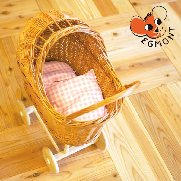 [Egmont toys エグモントトイズ社]お人形用 柳のかごの乳母車 布団セット ピンクチェック