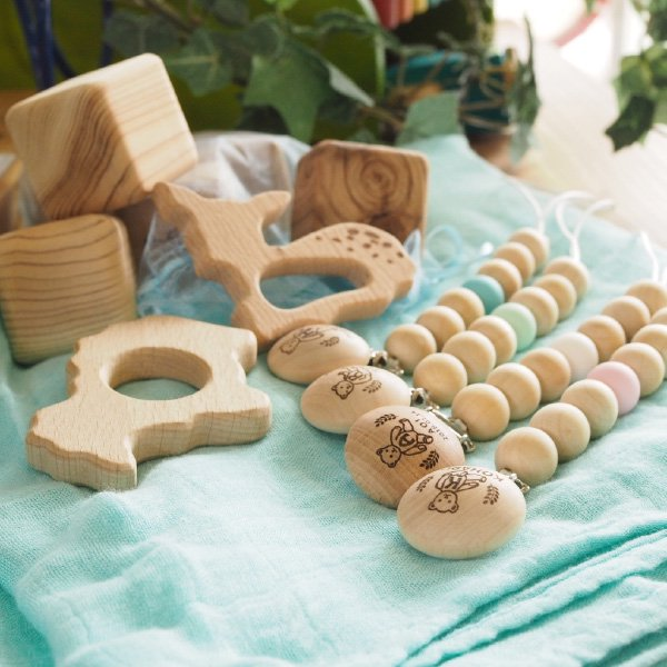 オリジナル 木製ベビークリップ & 歯固め バンビ 名入れセット イニシャル おしゃぶりホルダー